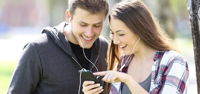 מנפצים מיתוסים: כיצד אהבה מוצגת ברשתות החברתיות. fotolia