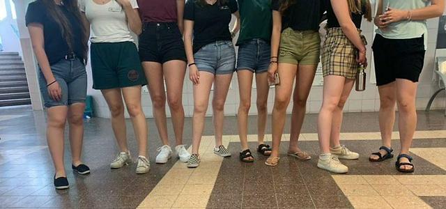 """מועצת התלמידים והנוער: """"שבו עם התלמידים וקבעו יחד את קוד הלבוש"""". צילום מפייסבוק"""