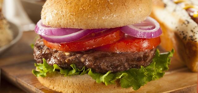 יום ההמבורגר: כל מה שלא ידעתם על הקציצה המפורסמת. AdobeStock