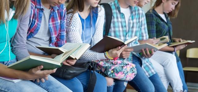 כדאי לקרוא: סדרות הספרים הישראליות לנוער. adobestock