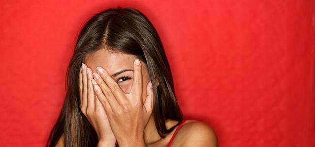 איזה יופי: מסכת הבד שאי אפשר להוריד ממנה את העיניים. adobestock