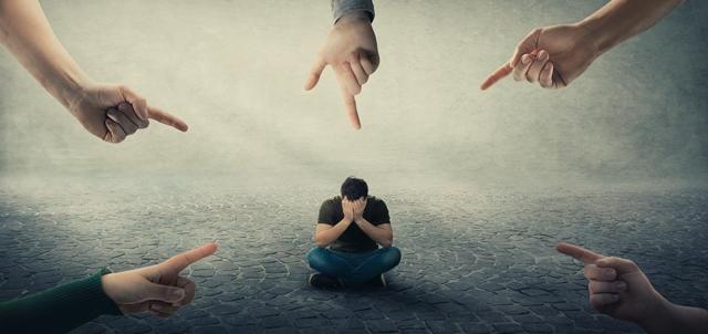 חרדה חברתית: כל מה שצריך לדעת כדי להתמודד איתה. adobestock