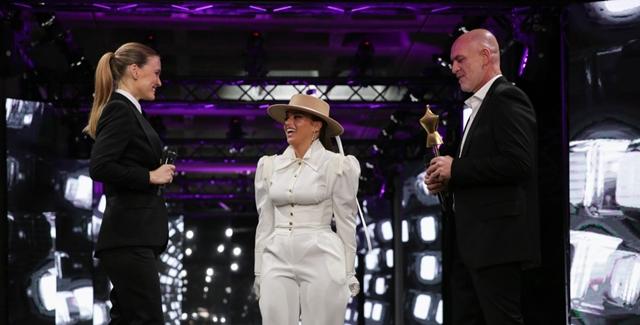 """נועה קירל קיבלה את פרס """"שינוי אידיאל היופי"""". נוי ערקובי"""