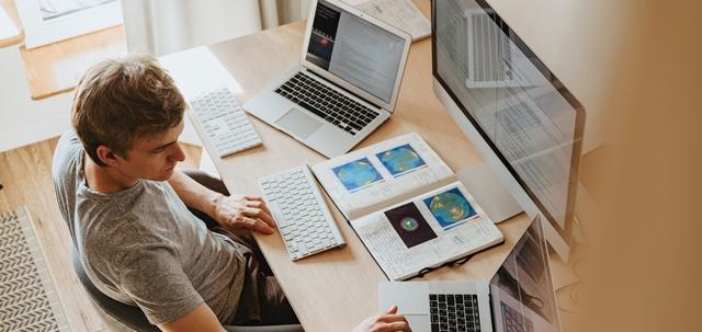 מה לבדוק כאשר בוחרים חברת פיתוח אפליקציות?. PEXELS