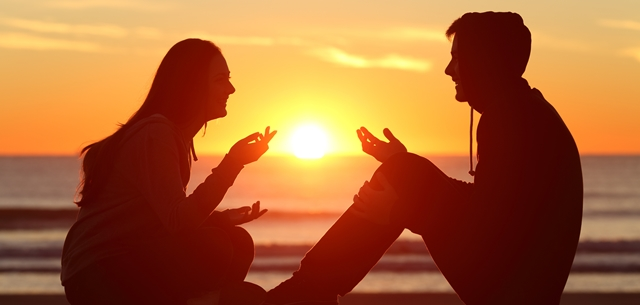 """כאן למענכם: """"אנחנו מדברים על מה כן לעשות ומסבירים איך לעשות זאת בצורה נכונה"""". adobestock (אילוסטרציה)"""