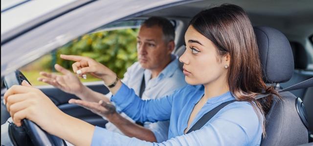 הוצאת רישיון נהיגה: לחץ חברתי או דבר הכרחי?. adobestock