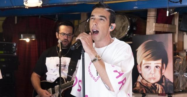 """עודד פז והקסדות מציגים: מופע רשמי משירי """"הפיג'מות"""". דור לב"""