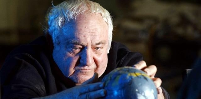 הצייר והפסל, חתן פרס ישראל יגאל תומרקין, הלך לעולמו בגיל 87. אלכס קולומויסקי
